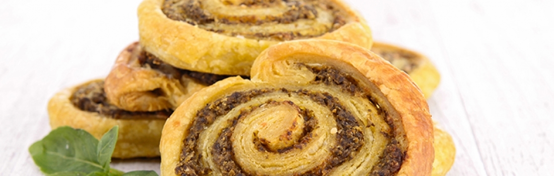 Pesto puff pastries