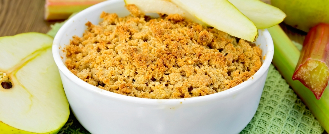 Hazelnut pear crumble
