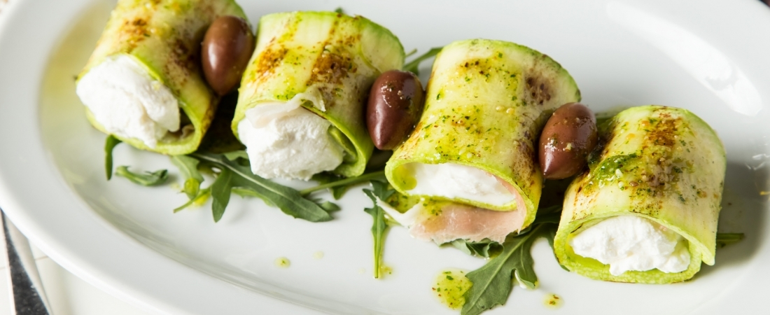 Fromage frais courgette rolls
