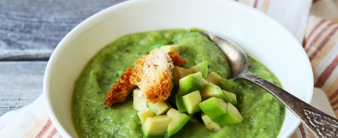 Soupe froide avocat