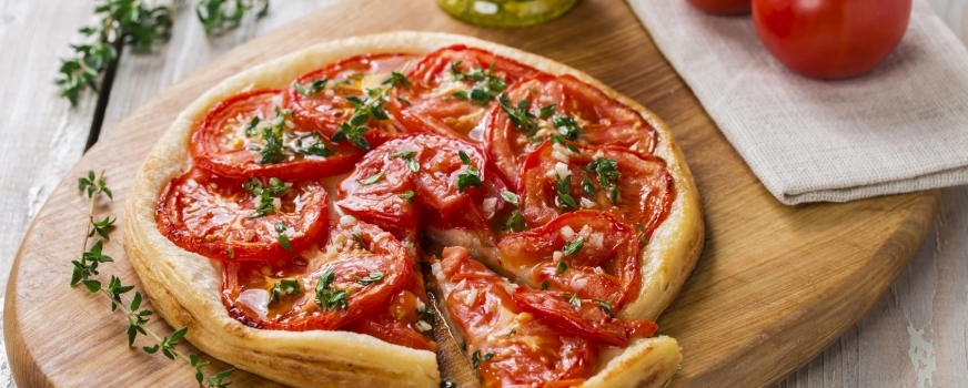 Tomato and French-style mustard pie